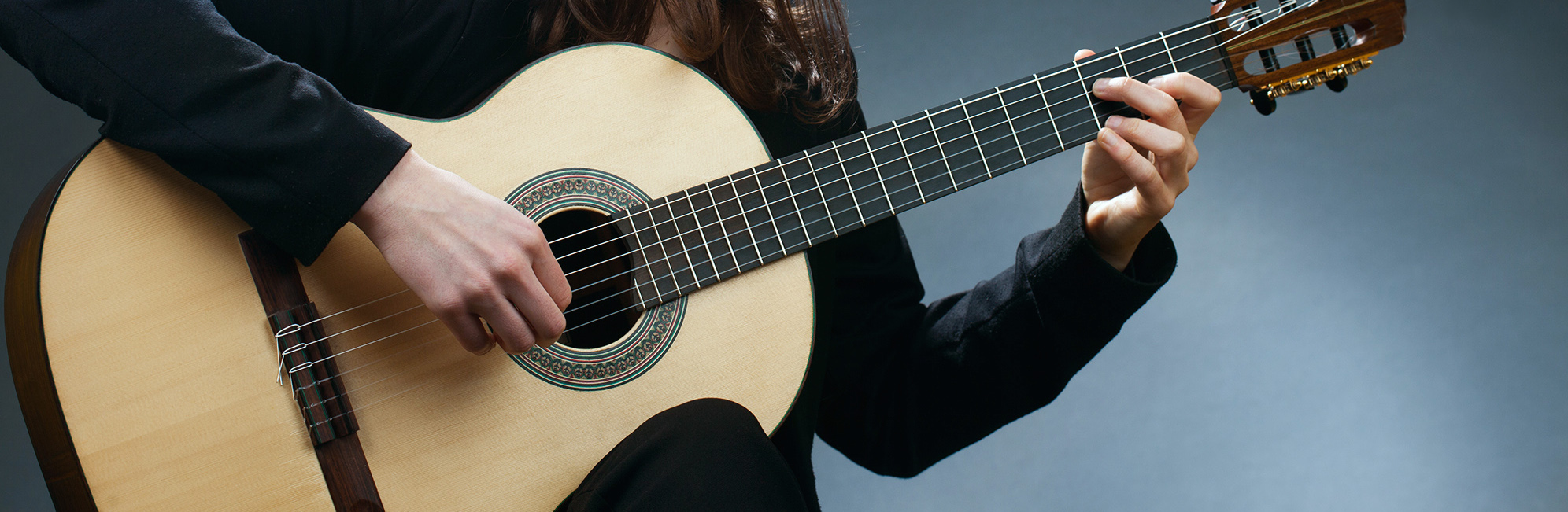 The self-teacher of playing the guitar